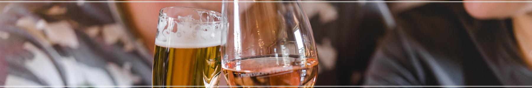 Sliderafbeelding met 2 glazen
