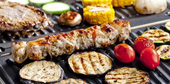 Gourmet pakket met vlees op een braadijzer